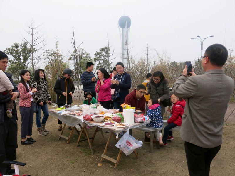 常州市海归党员户外聚会促交流图片